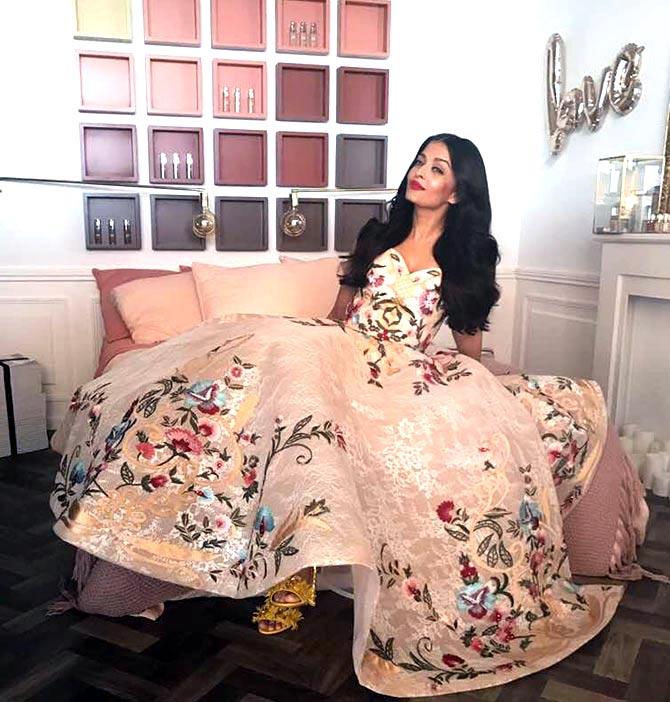 Aishwarya Rai Bachchan Stunning Look AllStory-9