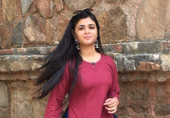 Niharika-Choudhary-Peeli-Dori AllStory